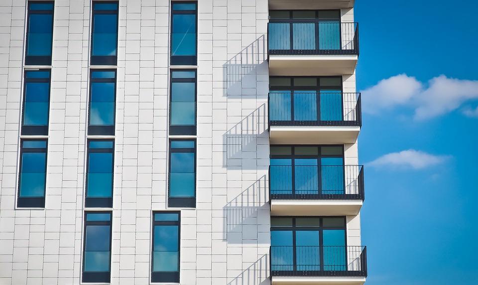 Proč je nutné mít zábradlí na balkón