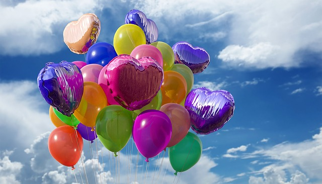 letící balonky