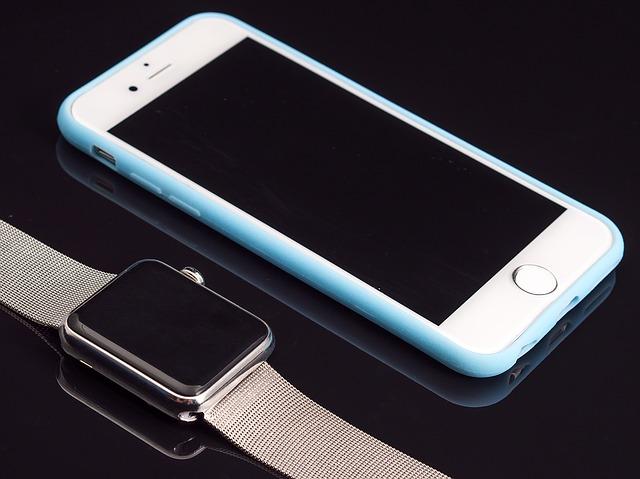 mobil a hodinky